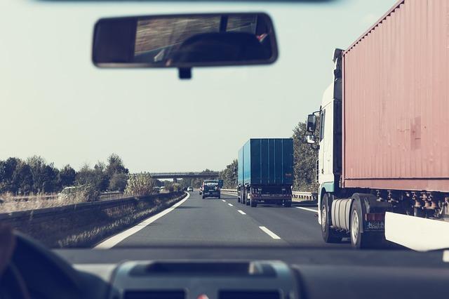 bajai teherfuvarozók elérhetősége